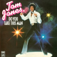 Tom Jones - Love Is In The Air