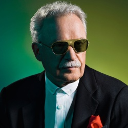 Giorgio Moroder - In The Middle Of The Knight