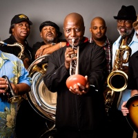 The Dirty Dozen Brass Band - When I'm Walking (Let Me Walk)