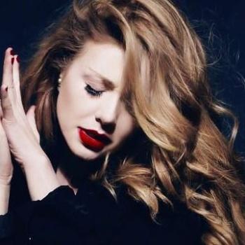 Тина Кароль выпустила «греховный» клип