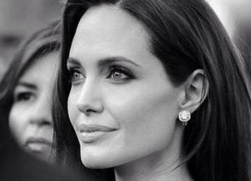Анджелина Джоли стала самой обсуждаемой иностранной звездой