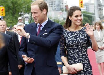 Герцогиня Кембриджская смеется над своим мужем