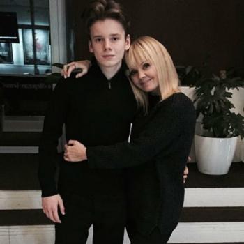 Восемнадцатилетний сын Валерии открыл ресторан
