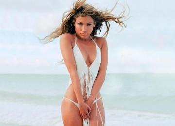 Дженнифер Лопес рассказала, почему ей нравятся молодые мужчины