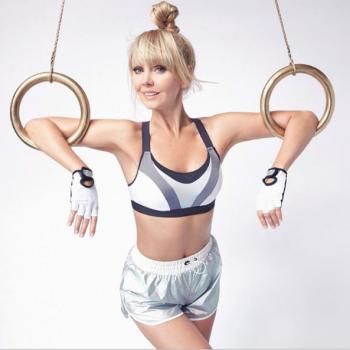 Певица Валерия показала шикарное тело в новой фотосессии