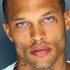 «Самый красивый преступник» дебютировал на Неделе моды в Нью-Йорке