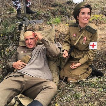 Звезды Instagram снимаются в ролике о войне