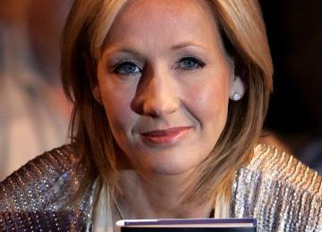 Автор книг про Гарри Поттера просит прощения за убийство своих персонажей