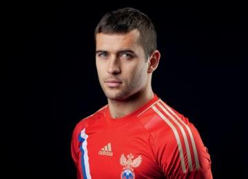Футболист Александр Кержаков помогает детям с синдромом Дауна