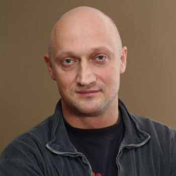 Актер Гоша Куценко стал многодетным отцом