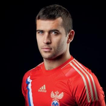 Футболист Александр Кержаков крестил сына
