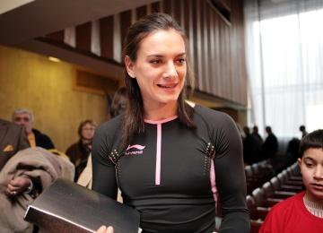 Спортсменка Елена Исинбаева похоронила маму