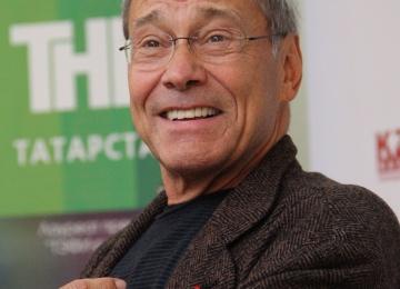 Андрей Кончаловский оправдал сексуальное насилие: «Мужчины должны приставать к женщинам»