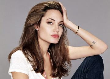 Анджелина Джоли удивила танцем на церемонии Governors Awards