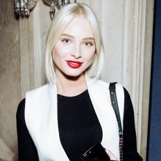 Алена Шишкова отметила день рождения с Павлом Дуровым