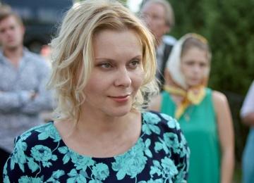 Актриса Яна Троянова поразила всех сходством с Скарлетт Йоханссон