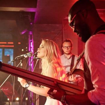 Somewhere Music Session: живая музыка в Hidden Bar