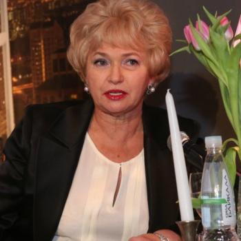 Мать Ксении Собчак стыдится дочери