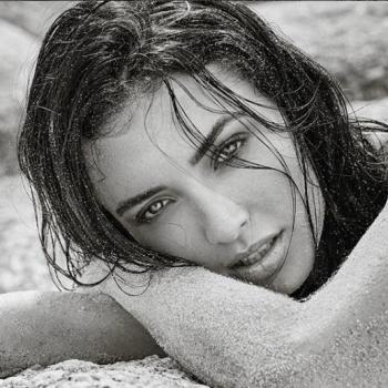 22-летняя дочь Кирилла Сафонова поучаствовала в откровенной фотосессии