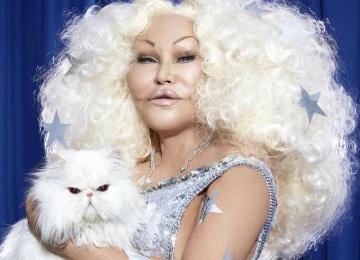 Знаменитая «женщина-кошка» снялась в откровенной фотосессии