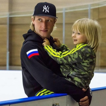 Пятилетний сын Плющенко произвел фурор в Будапеште