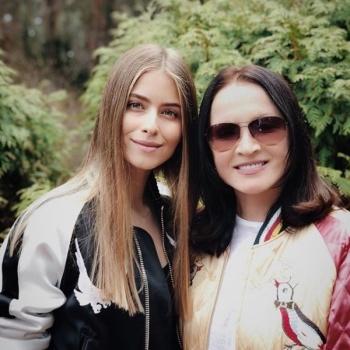 Ротару поздравила внучку Соню с ее семнадцатилетием