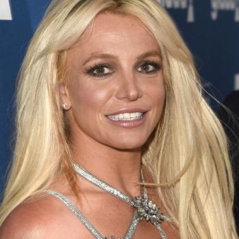 Бывший муж Бритни Спирс снова требует от нее денег
