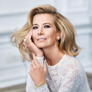 44-летняя Юлия Высоцкая восхитила поклонников роскошной внешностью