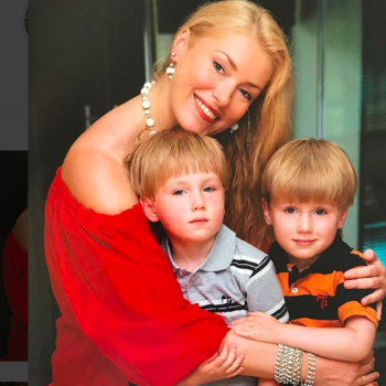 Мария Шукшина показала архивное фото с сыновьями