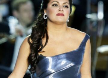 Анна Нетребко извинилась перед фанатами за цены на концерты