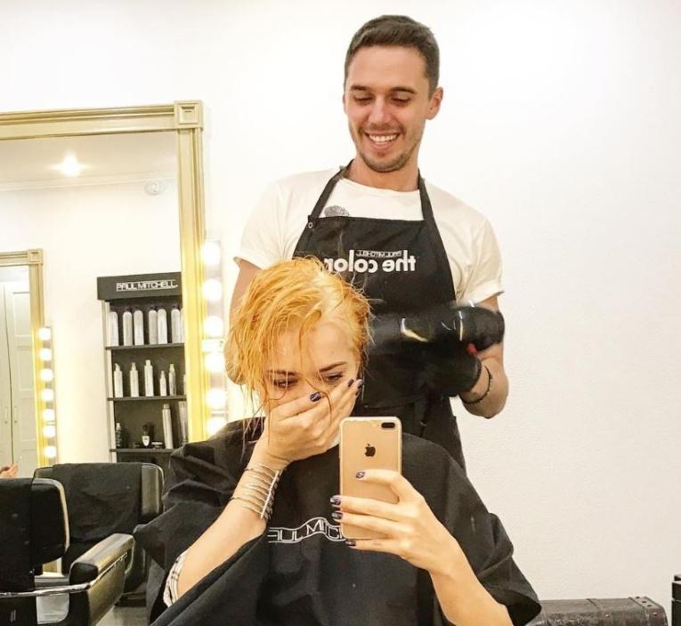Настасья Самбурская сменила цвет волос