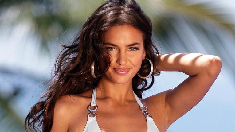 Ирина Шейк появилась на обложке мексиканского Vogue