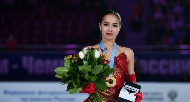 Олимпийская чемпионка Алина Загитова вернулась домой и слегла от вируса