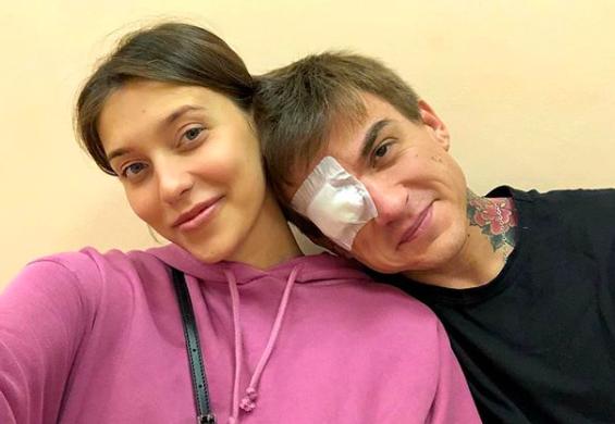 Влад Топалов повредил глаз, защищая возлюбленную