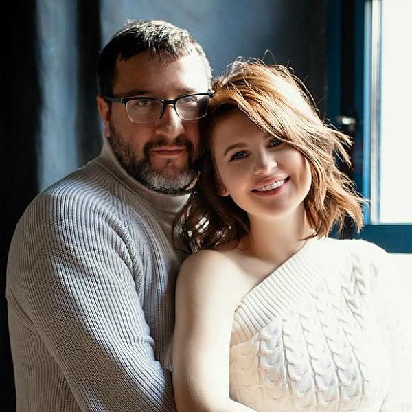 Анна Цуканова-Котт официально вышла замуж после 12 лет отношений