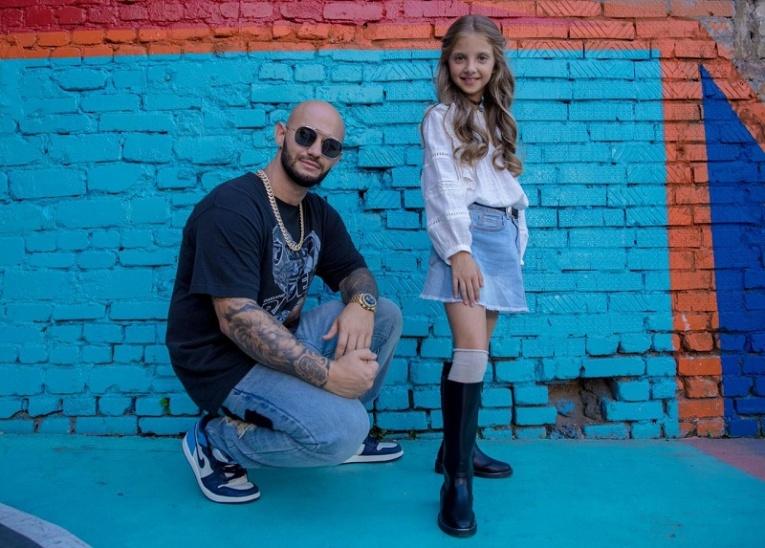 Джиган выпустил новый клип на песню в дуэте с вокалисткой Софией Берг