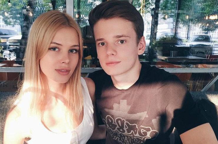 Анна Шеридан прокомментировала расставание с сыном Валерии