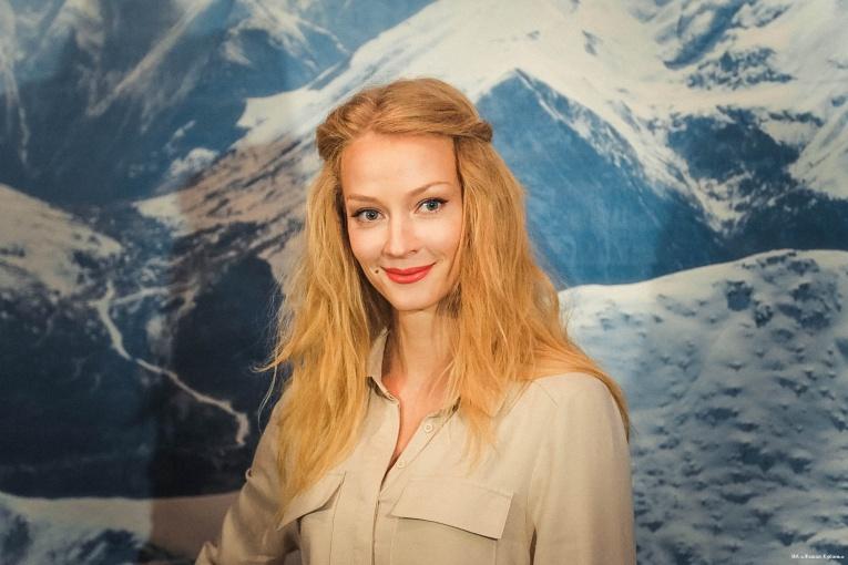 Светлана Ходченкова примерила эпатажный образ