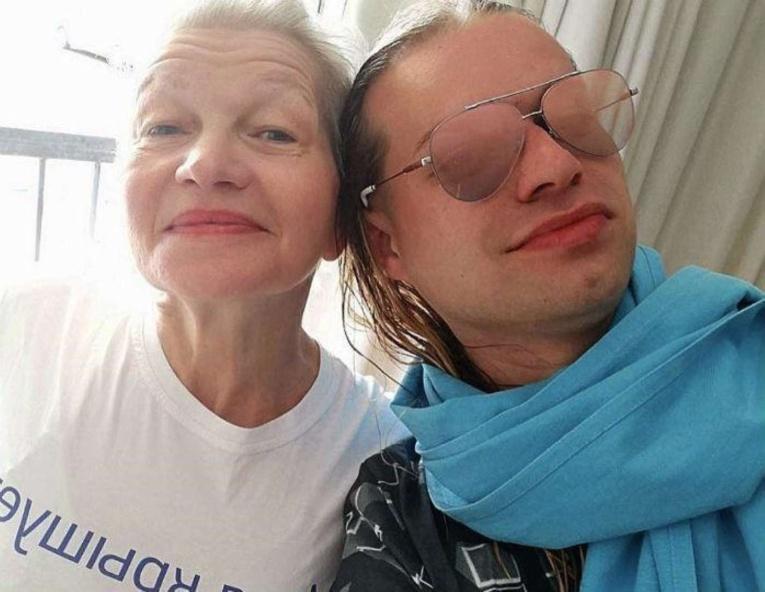 В сети обсуждают откровенное фото 65-летней жены Гогена Солнцева