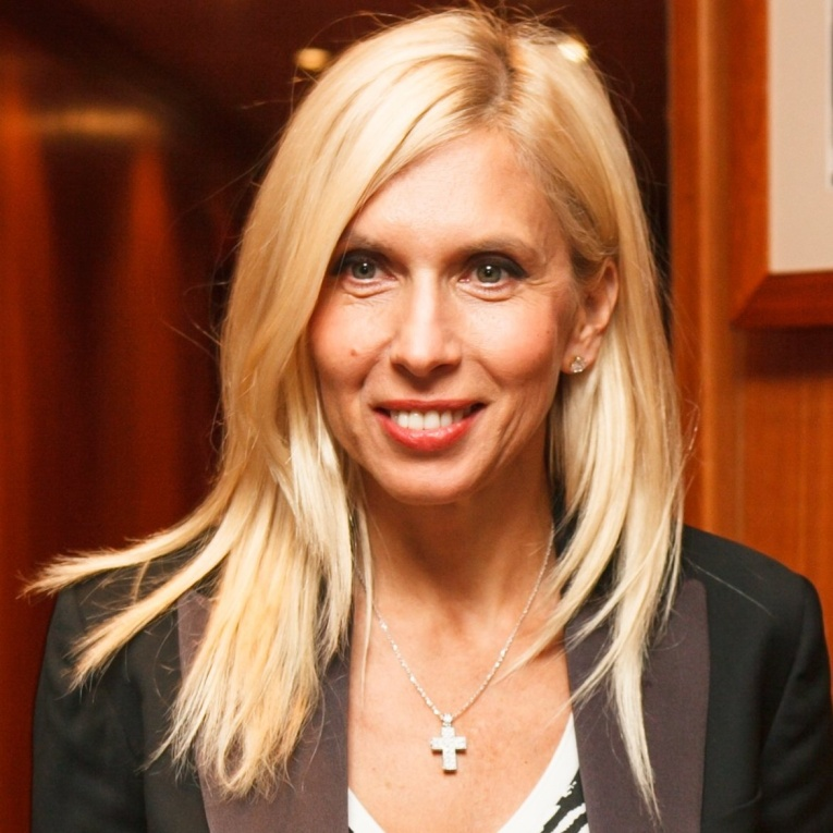 Алена Свиридова дала интервью об избраннике и детях