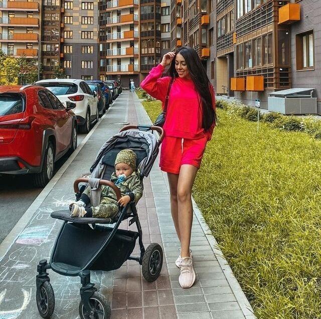 Алена Рапунцель пожаловалась на травлю матерей-одиночек