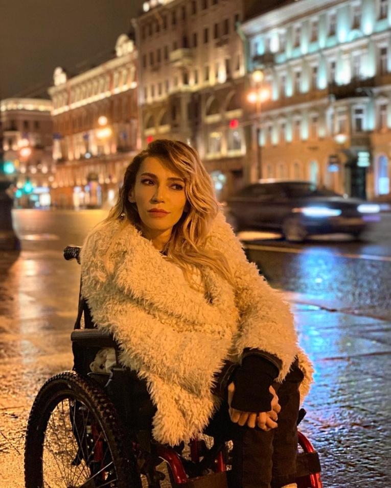 Юлия Самойлова рассказала о дискриминации из-за инвалидной коляски