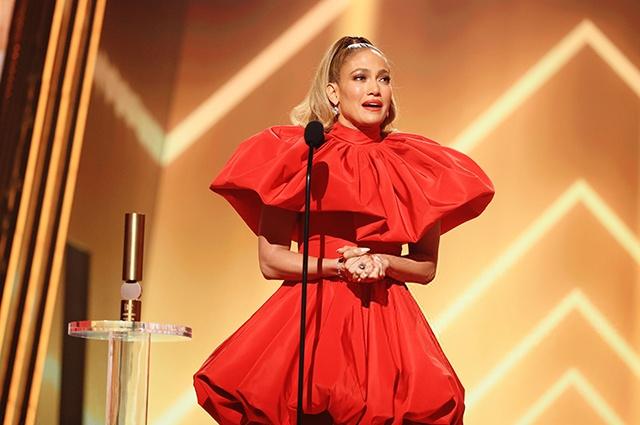 Дженнифер Лопес получила звание иконы года People's Choice Awards
