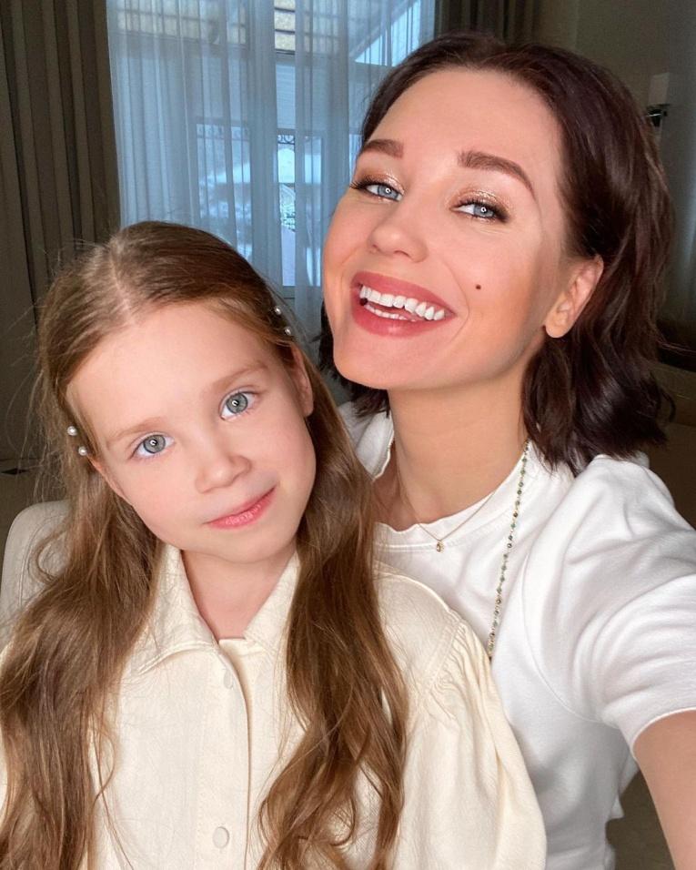 Красота плюс харизма: 7 дочерей популярных юмористов