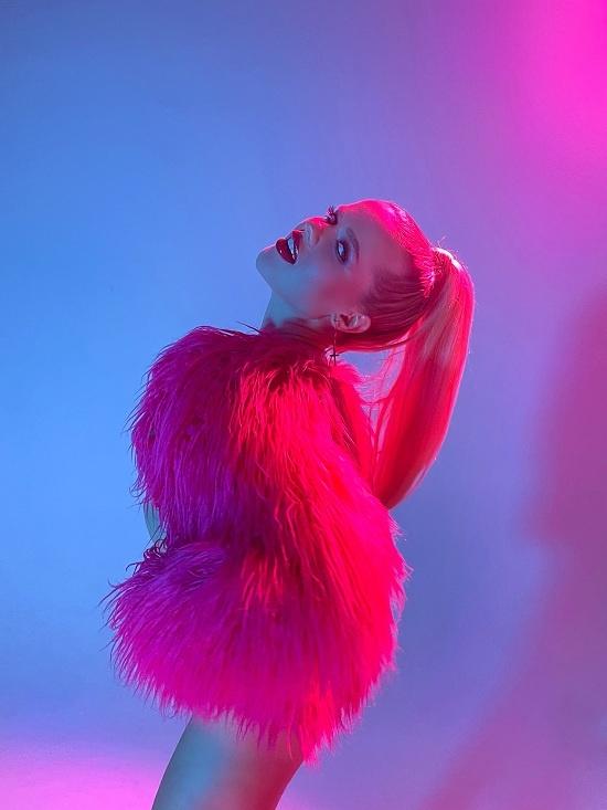 Новый клип певицы Лизы Ставровой увидел свет